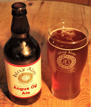 Picture of a bottle and pint of Angus Og Ale by Islay Ales