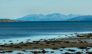 Picture of the silhouette of Arran at the end of Loch Fyne