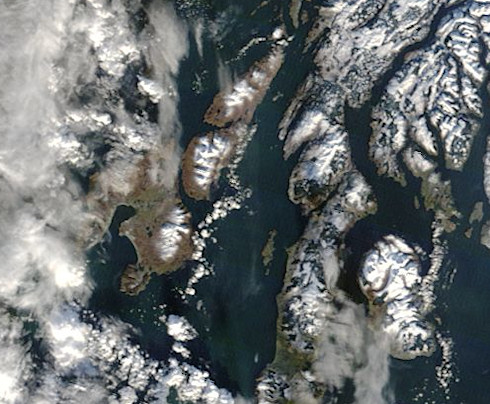 Extract from a satellite picture, showing islands with only little snow