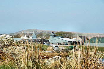 Picture of a farm distillery on Islay, Kilchoman