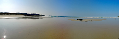 Picture of a panoramic view of a beach in bright sunshine