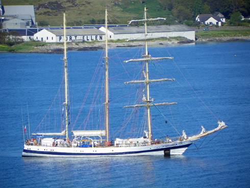 Picture of the tall ship Pogoria