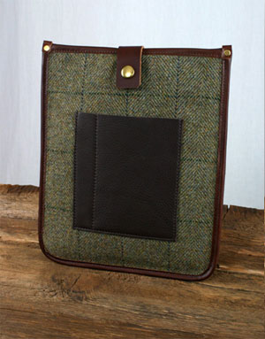 Picture of an iPad sleeve in an Islay tartan